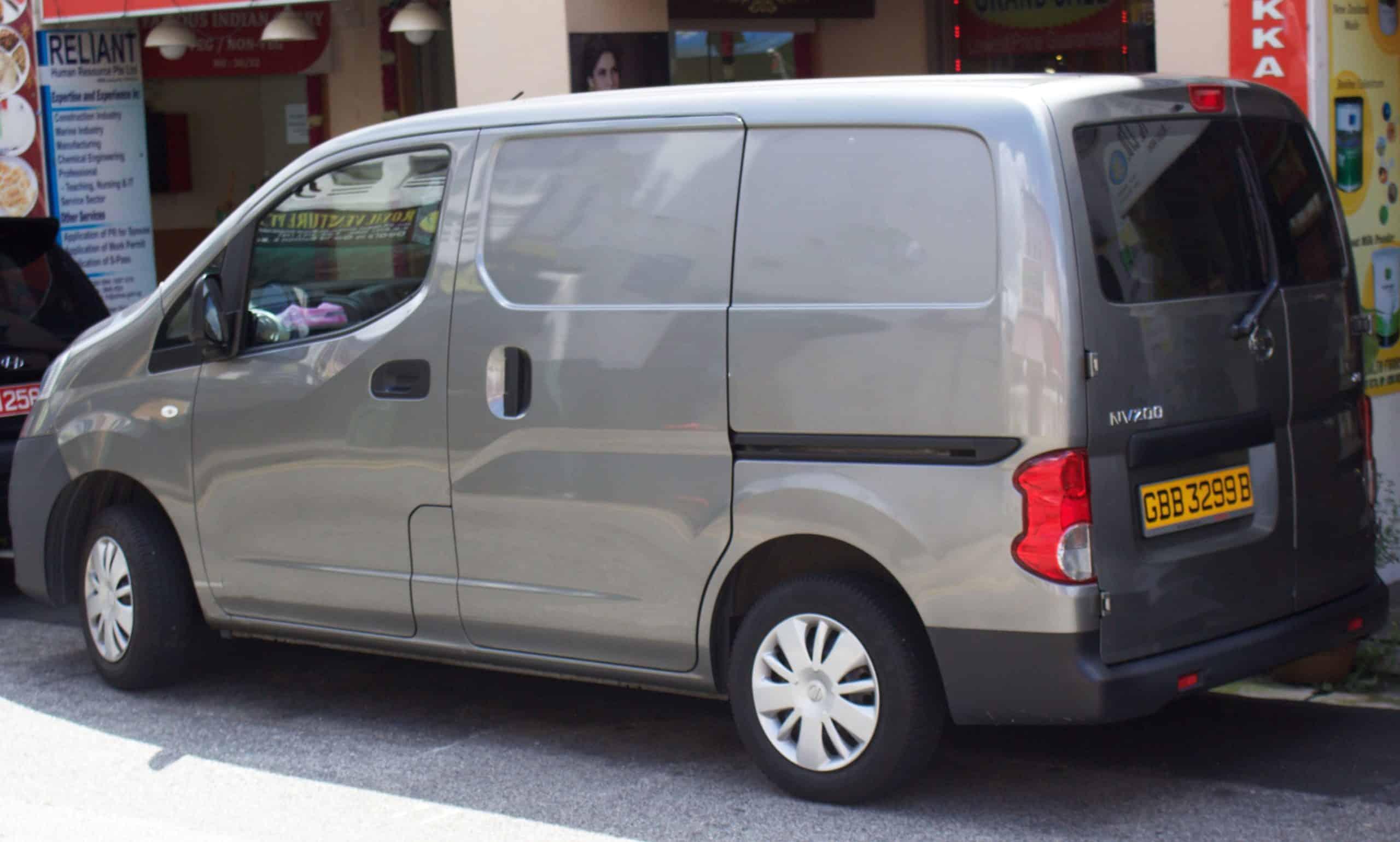 Le modèle Nissan NV200 Gris
