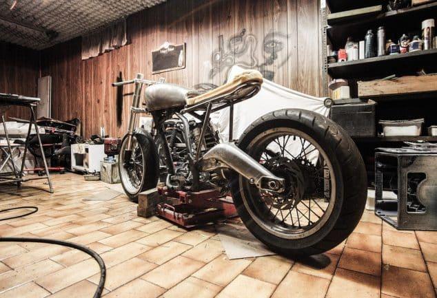 Réparer une moto avec des pièces détachées, c'est possible !